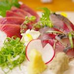 居酒屋こんちゃん - 料理写真:天然〆鯖・鰹刺
