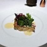 カランドリエ - 九州・玄界灘のゴマアラのポワレ、 ブールブランソース、 紅芋、マコモダケ、さつま芋のピュレ 紅芋のフライ。