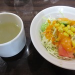 62056093 - [ランチ]前菜のサラダとスープ