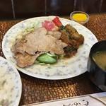 K - 日替わりのランチで、豚しょうが焼とピーマン肉詰めフライ 700円 安い!