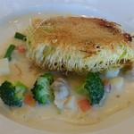 レストラン ル・ブラン - お魚ランチの魚料理(料理の名称はわかりません。)