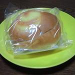 ベーカリー ドミナ - 桃ジャムパン 130円