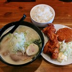 麺や 虎鉄 - 料理写真:日替り定食(990円)