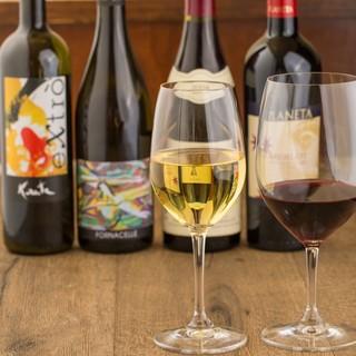 イタリアのワインを中心に常時100種類以上を取り揃え♪