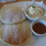 清泉寮 ファームショップ - パンケーキ・ジャージーミルククリーム、オリジナルジャムを添えて