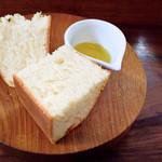 トラットリア はしまや - 自家製天然酵母パン