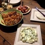 トウキョウ アオヤマ グローカル カフェ - 交流会の軽食