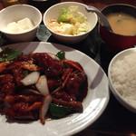 満州香 - 黒酢の酢豚定食900円