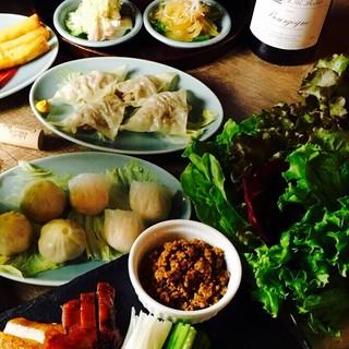 隆麺のお得なコース料理の一例です