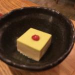 62076282 - お通し 抹茶の胡麻豆腐?