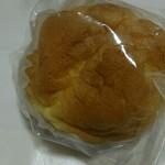 カスタードリーフ - 料理写真:シュークリーム カスタードたっぷり‼
