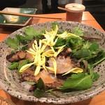 炊き餃子・手羽先 オクムラ - 炙りタコのサラダ