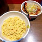 らーめん蓮 - 辛味噌つけめん(¥930)。無料サービスで「野菜増し」にしていただいた.jpg