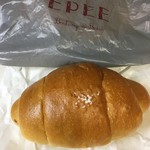 Boulangerie Bistro EPEE - 塩バターパン