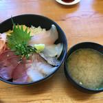 62091252 - 天然地魚海鮮丼(味噌汁付き)1,100円