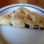 小猫のパン屋さん - 料理写真:三角チョコスコーン
