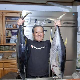 店主が釣り上げた自慢の鮮魚