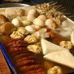 久慈清商店 - あつあつのおでん。鶏ガラ、昆布、かつお、飛魚、豚のげんこつなどからとった風味豊かなスープはラーメン屋ならでは♪