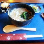 大豆屋 - 料理写真:豆乳かけうどん(小)