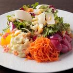 ケンゾーエステイトワイナリー - サラダ・ランチ(リヨン風惣菜サラダ) ¥1,600-