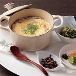 ケンゾーエステイトワイナリー - 岩手県産いわい鶏の卵とじ ¥1,200-