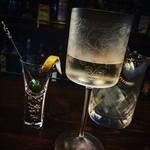 Bar Prima - マティーニ 通常のグラスよりも香りが立ちやすい素晴らしいグラスを使用してます
