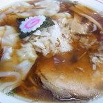 武富屋 - ワンタン麺 750円