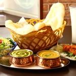 印度屋キッチン・ダバ - 料理写真:2カレーセット