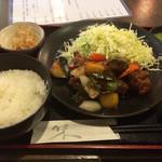 62111106 - 鶏肉の黒酢あん定食