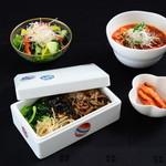 伊萬里特選 ビビンバ+小カルビ温麺
