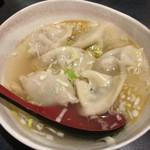 62119194 - 肉汁水餃子(6個 420円)