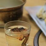 常盤木 -  フグヒレ酒 鍋も一緒に提供されます!