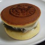 津の国屋 ボンクリス - 料理写真:生どら(抹茶)
