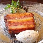 62126445 - ランチコース 3600円 の鴨のコンフィとコンテチーズの温かいテリーヌ 粒マスタード入りクリーム添え