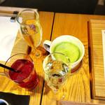 居様 - 抹茶カプチーノ、クランベリージュース