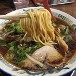 62131345 - 硬めの中太ウエーブ麺