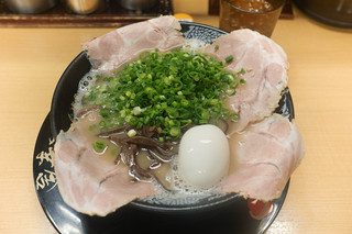 博多一幸舎 総本店 - 味玉チャーシュー麺