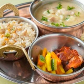 ランチは体に優しい、ネパール&チベット料理を召し上がれ☆