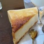 珈琲香房 楽風 - 厚くてふわふわのトースト