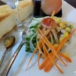 珈琲香房 楽風 - モーニングのサラダ