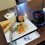 珈琲香房 楽風 - 「水出しコーヒー アイス (650円)」で、モーニングの食事は無料♪