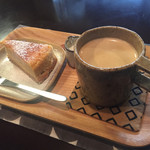 うぺぽ - デザートにチーズケーキとコーヒー