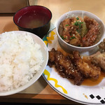 ホルモン焼 げんこつ - コンビE定食