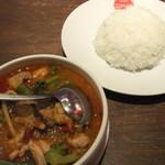 ティーヌン - 2014/8/3 鶏肉と野菜のタイハーブスープカレー(ゲーン・パー)