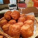 ブーランジェリーブルディガラ - 人気のパン・オ・ショコラはレジの横に✴✴