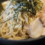 元祖 博多中洲屋台ラーメン 一竜 - つけ麺の麺