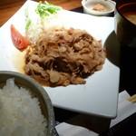 Rabu - 黒豚の生姜焼き御膳