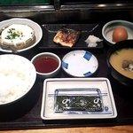 かじ天 - 朝食