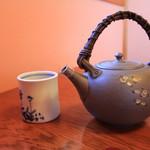歳一六 - ドリンク写真:お茶