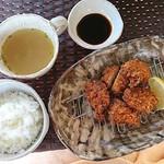 カフェあじろの樹 - 料理写真:ヒレとんかつ